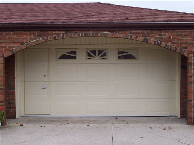 Walkthru garage door gaudet 39 s aluminum ltd flickr for Garage new s villejuif