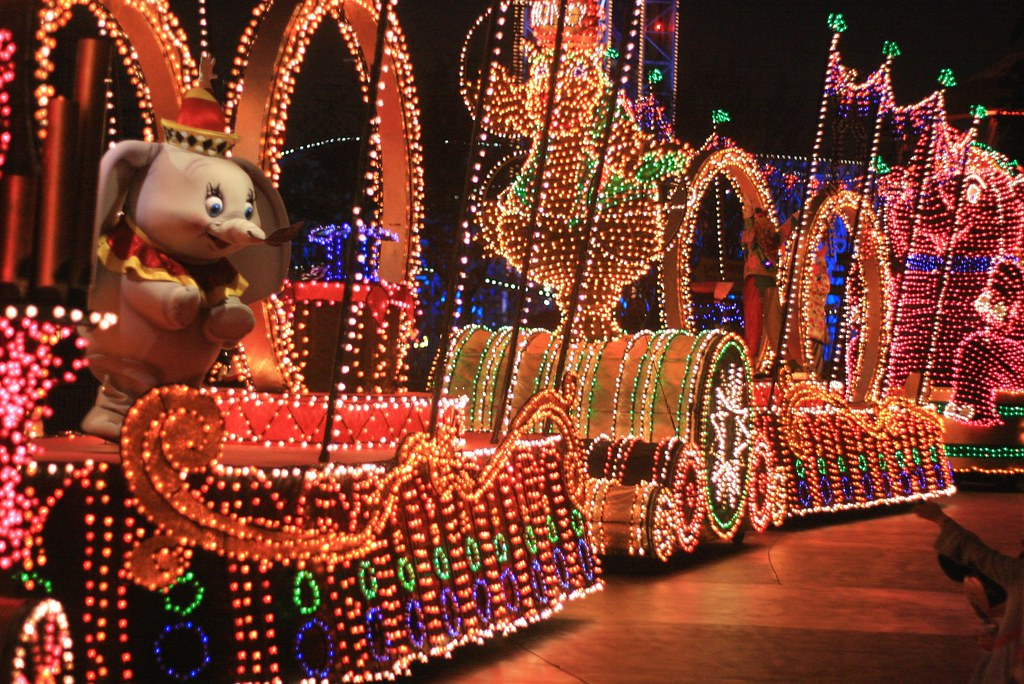 Disney's Electrical Parade: Dumbo's Circus | Carlos | Flickr