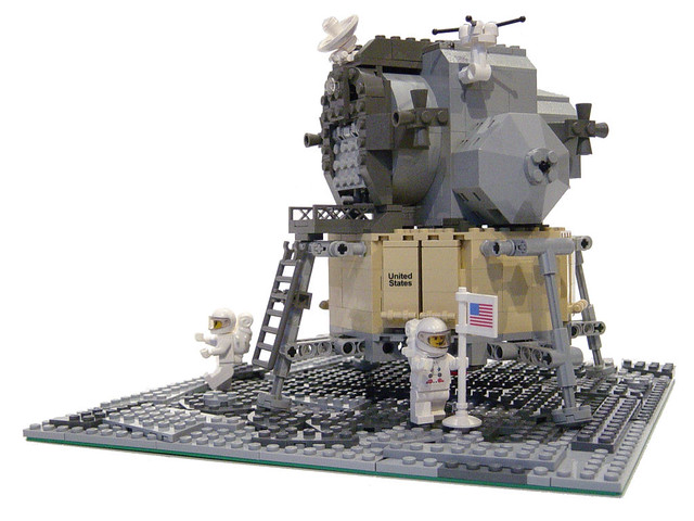 LEGO 10029 Lunar Lander | Built for the 40th Anniversary ...