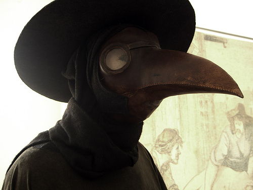 5 6 Creepy This Is What Plague Doctors Wore In The 1600s