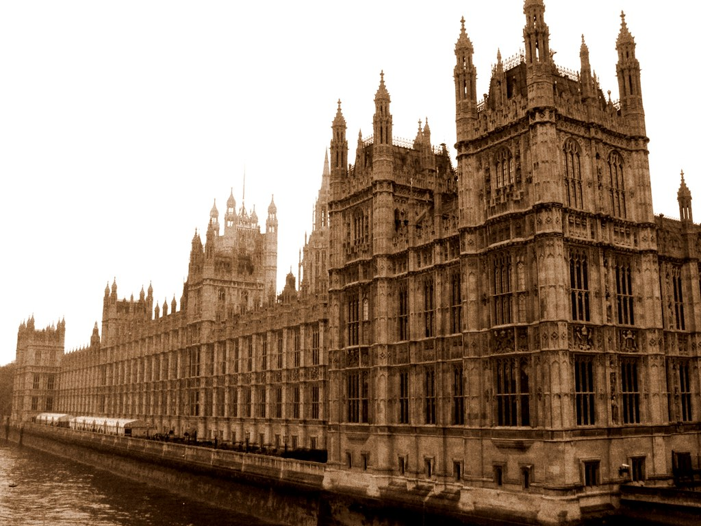 Londra il parlamento il palazzo di westminster for Il parlamento