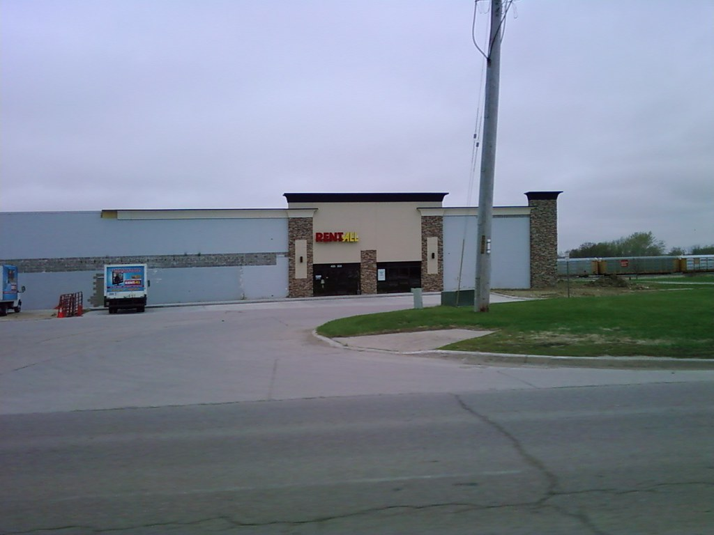 Rent All Former Wal Mart Carroll Iowa Here S Their