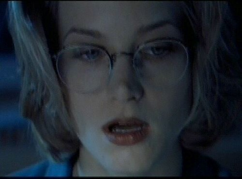 Bridget Fonda 012 | Vidcap from the movie Little Buddha in ...