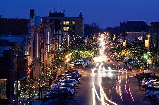 Mass Street Mass Street At Night Ku University