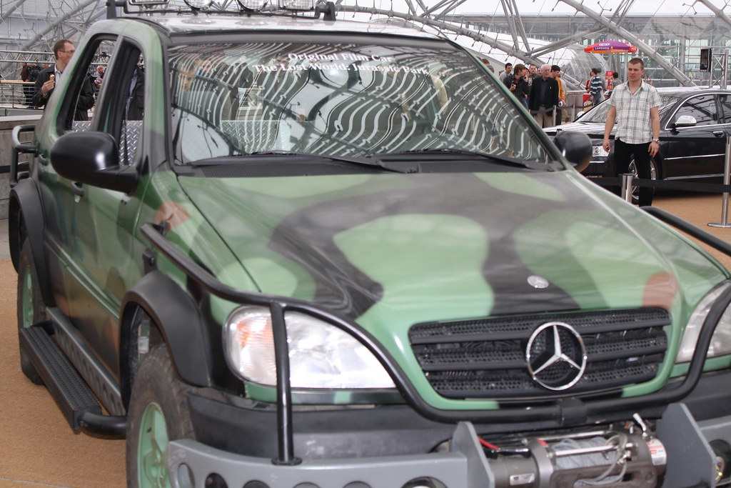 Img 0352 jurassic park mercedes benz ml 320 cdi mocke1 for Mercedes benz winter park