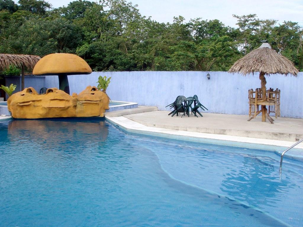 Hotel y Restaurante La Fonda Escondida Guatemala, ferier Hoteles, Rio Dulce Guatemala