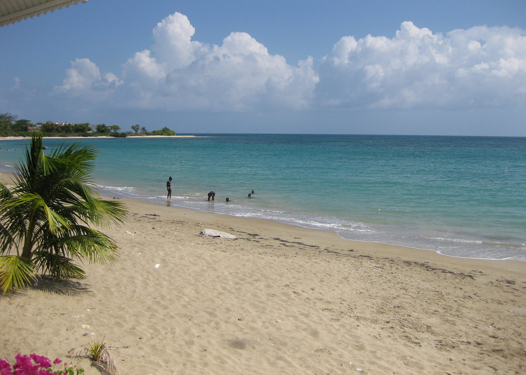 Golden Shore Beach Resort Jamaica