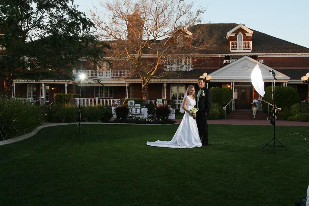 Wedding Photography Lighting Setup: Our 'no-fuss' Lighting Setup For