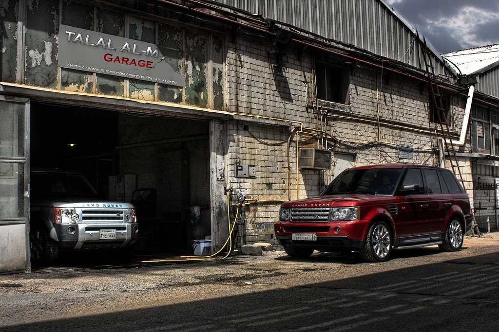 My garage land rovers only p talal al mtn flickr for Garage land rover brest