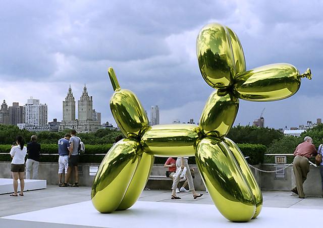 Jeff Koons' scu... Jeff Koons Balloon Sculpture