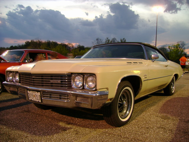 1971 buick lesabre convertible lost in the 50s cruise nigh flickr. Black Bedroom Furniture Sets. Home Design Ideas