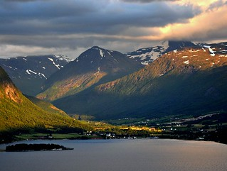 Vistdal, summer evening | by Martin Ystenes - http://hei.cc