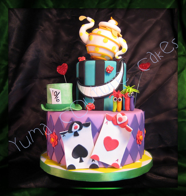 Alice in Wonderland Hat Cakes Alice in Wonderland Cake