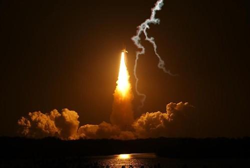 space shuttle landing at night - photo #18