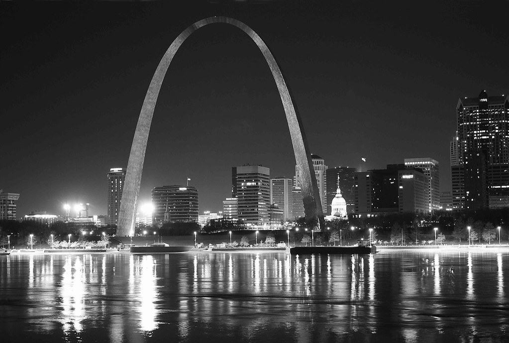 St Louis History In Black And White: St. Louis Gateway Arch Black And White