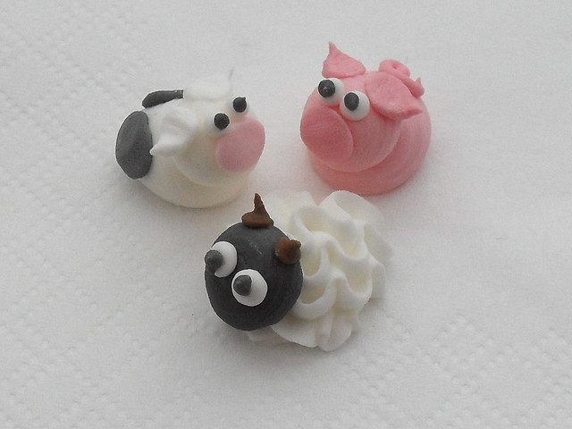 Cake Decorating Sugar Animals : royal icing farm animals Flickr - Photo Sharing!