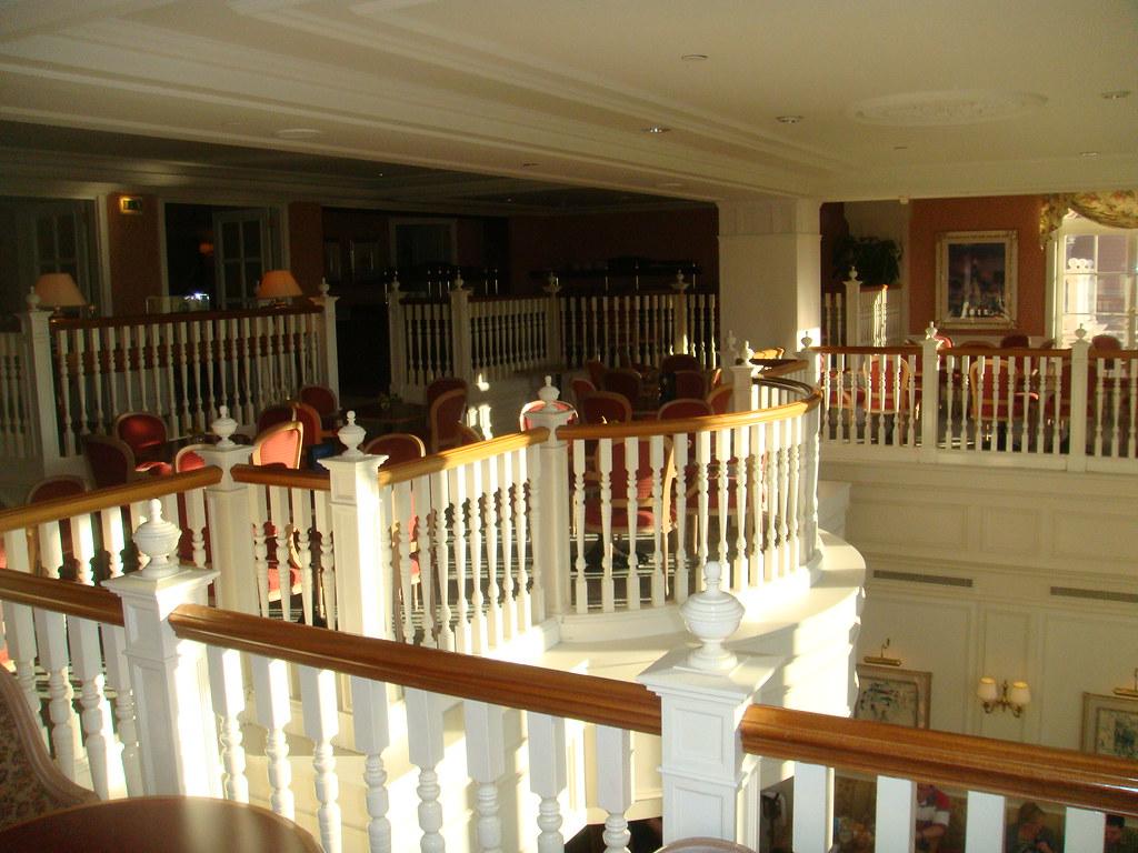 Hotel disneyland paris lounge del castle club flickr for Chambre castle club disneyland hotel