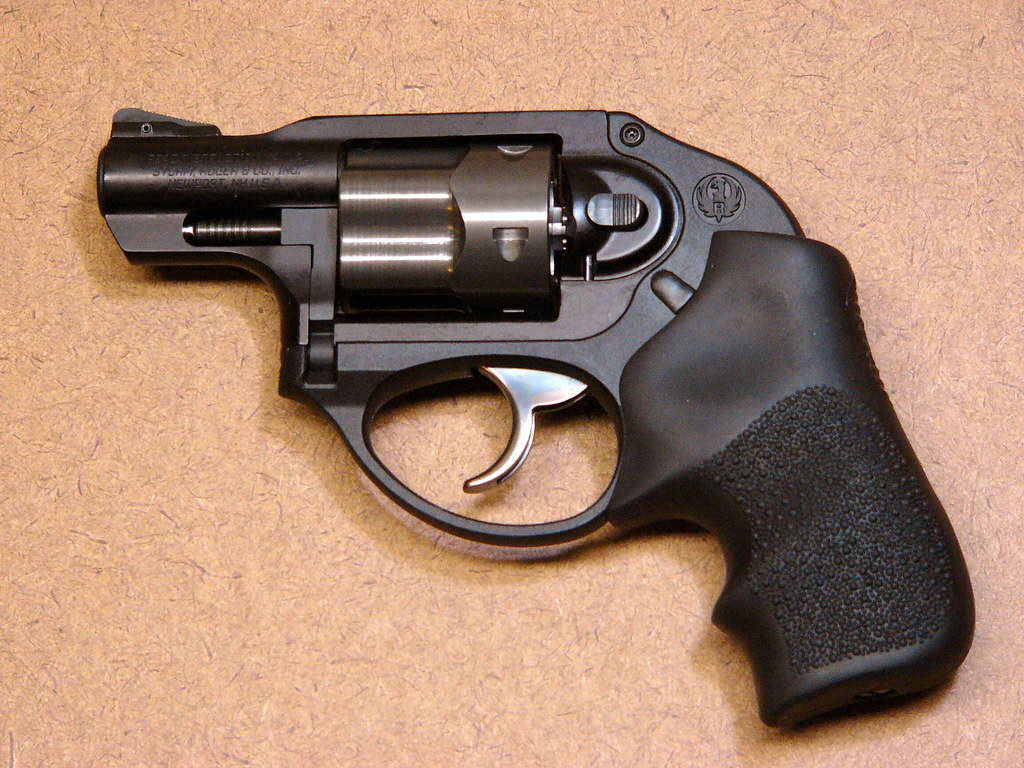 Ruger lcr another member of ruger 39 s hard r line the - Taurus mycook 1 6 precio ...