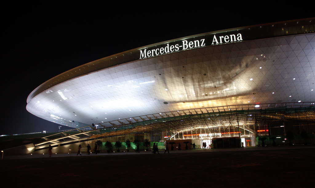 Mercedes benz arena cheer chan 39 s concert mercedes benz for Mercedes benz stadium concerts