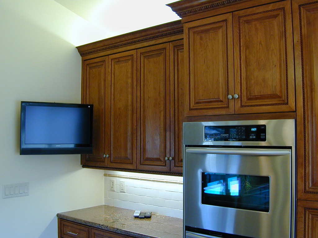 New custom kitchen wall mounted flat screen tv double ov for Small wall mounted tv for kitchen