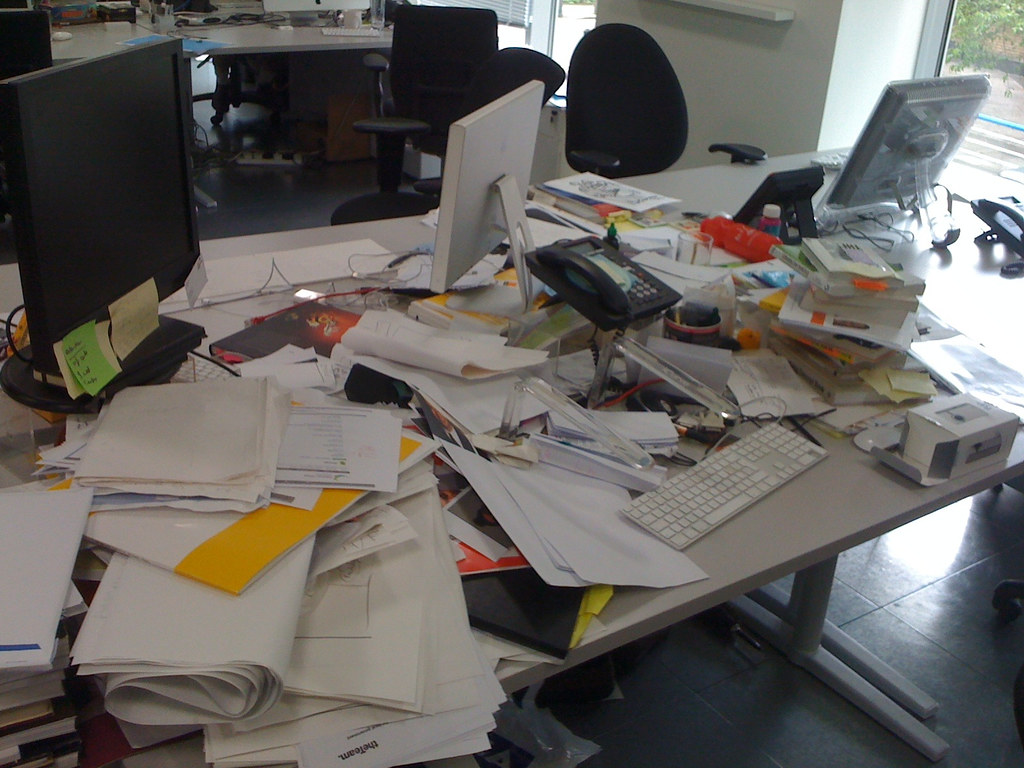 Disorganised Jason Mesut S Desk Is A Disgrace Phil