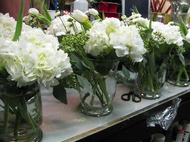 Ordinaire ... White Table Centerpieces | By LenaeDenson.com