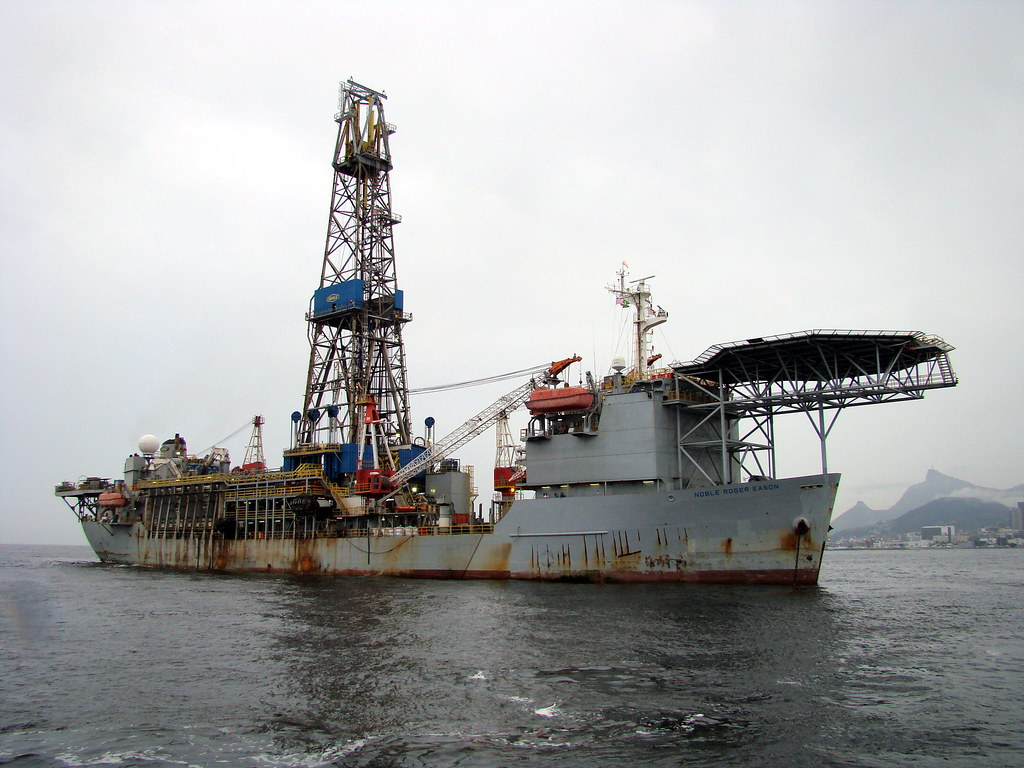 how to become a rig manager