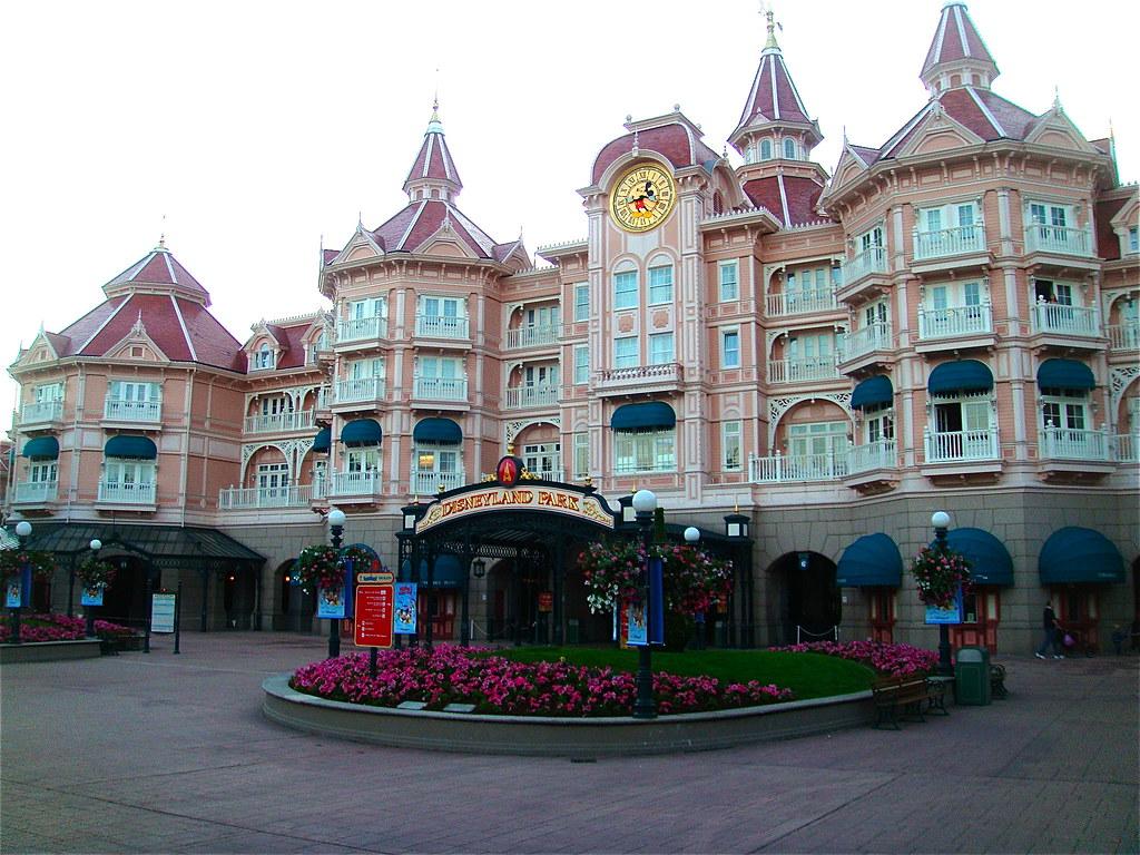 Disneyland Hotel And Resort