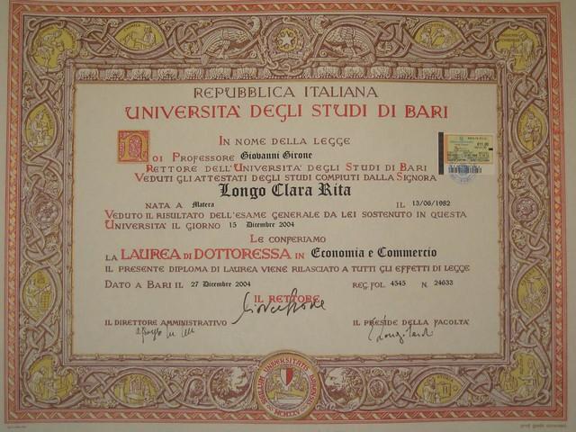 pergamena di laurea di clarita