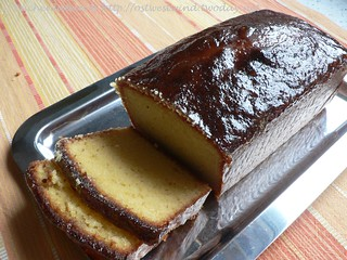 French Yogurt Cake with Marmalade Glaze 002