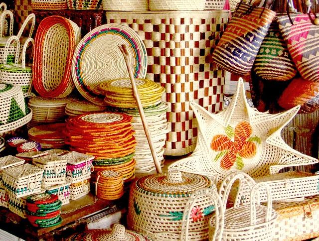 Adesivo Flor De Lis ~ Artesanato em Palha Objetos coloridos em palha Mercado na u2026 Flickr