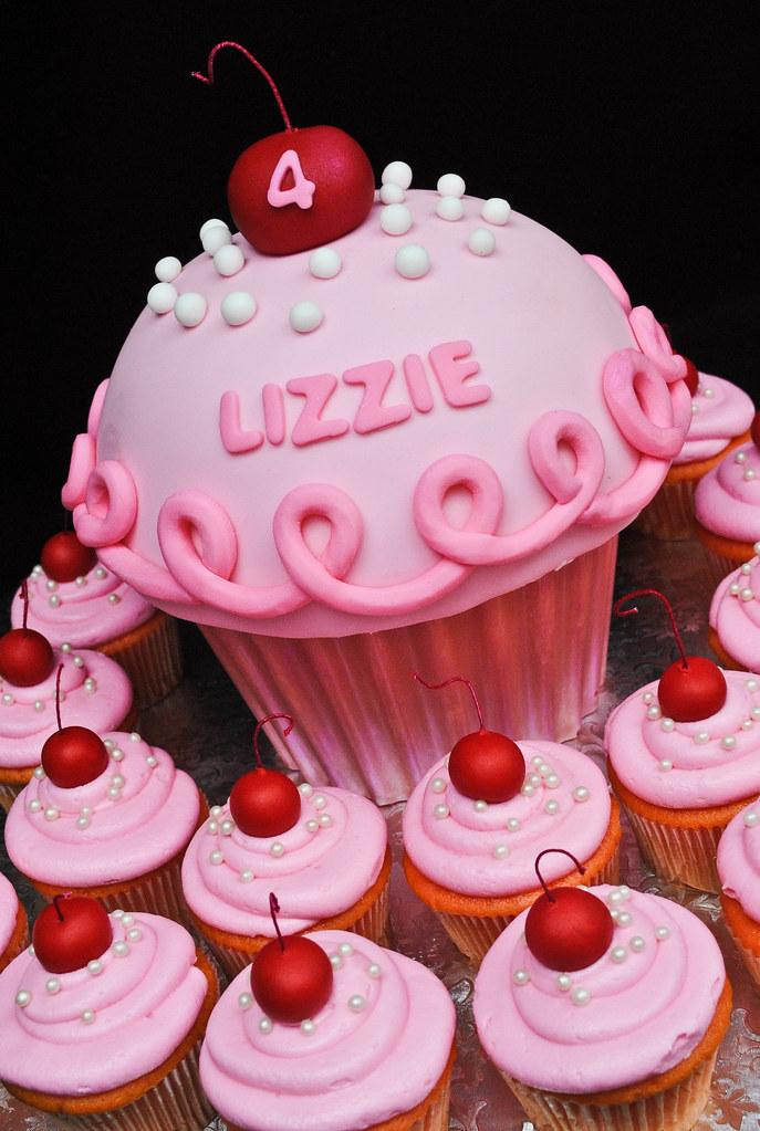 Pinkalicious Cake Images : Pinkalicious A Pinkalicious cupcake cake and cupcakes ...