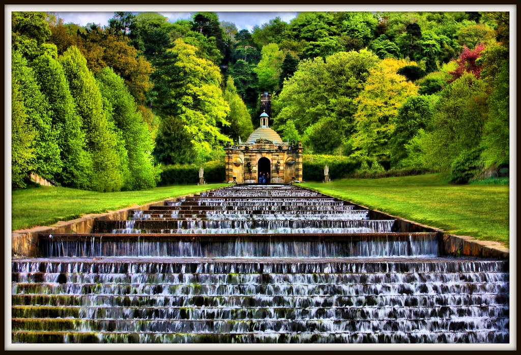 Chatsworth house garden cascade andrew watson flickr for Cascade house