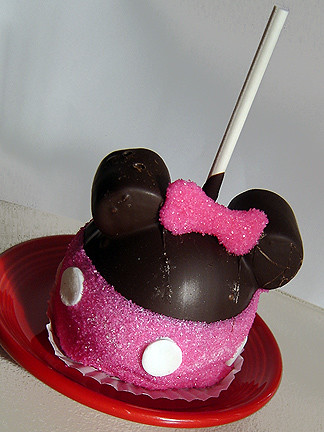 Minnie Mouse Caramel Apple | by Linzinator!