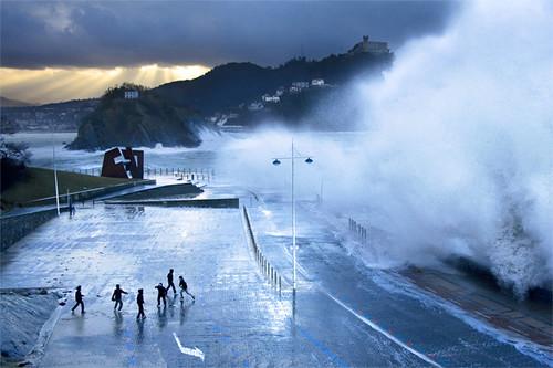 Olas en Donostia - San Sebastian (revisited)  Si quiere ...