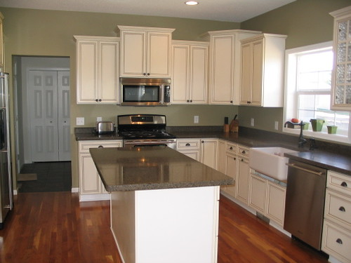 sage green paint kitchen real homes green kitchen kennon s edgewood g 5047