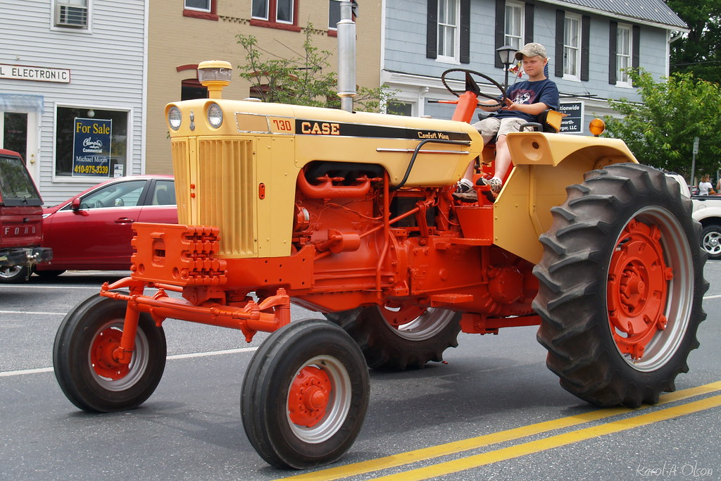 Case Comfort King : Orange tractor case comfort king mid late
