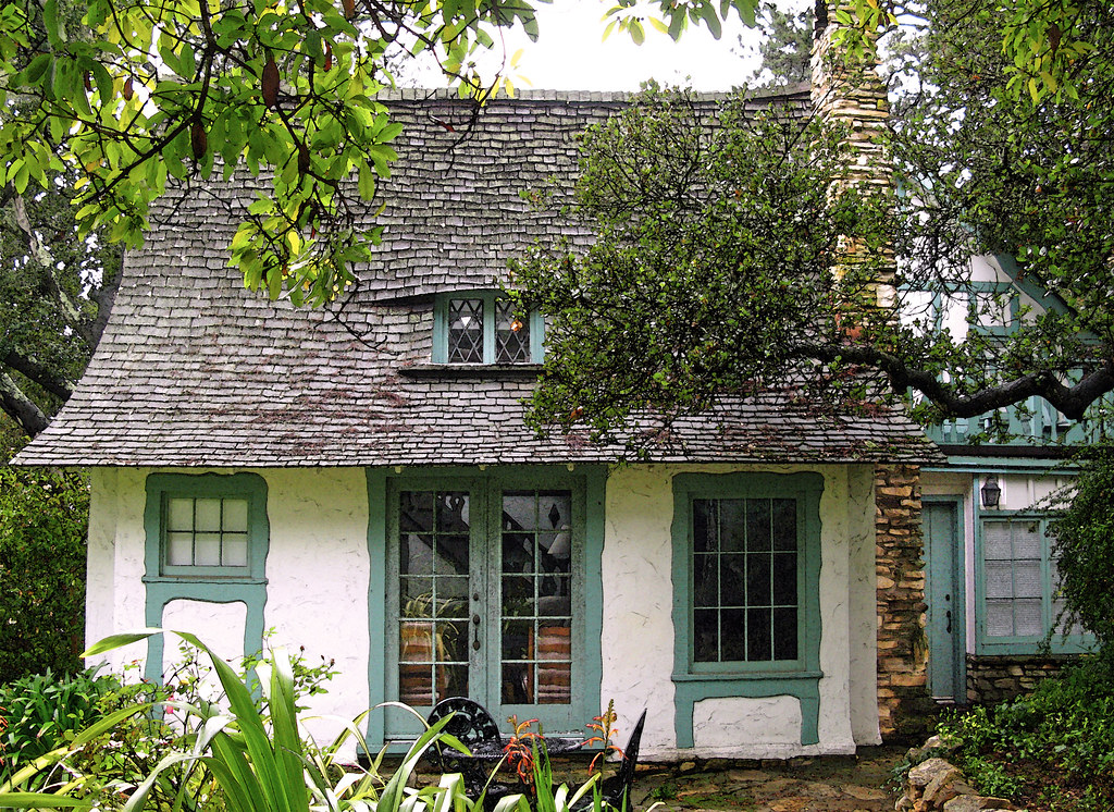 The Fairytale Cottages of Carmel-by-the Sea | After Hugh ...