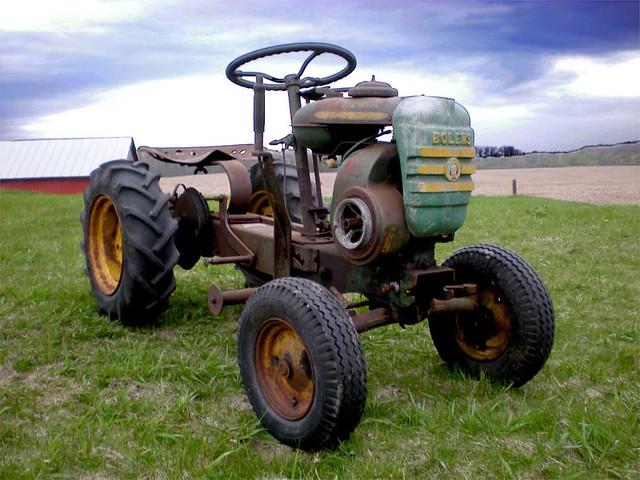 Thinks my tractors sexy lyrics