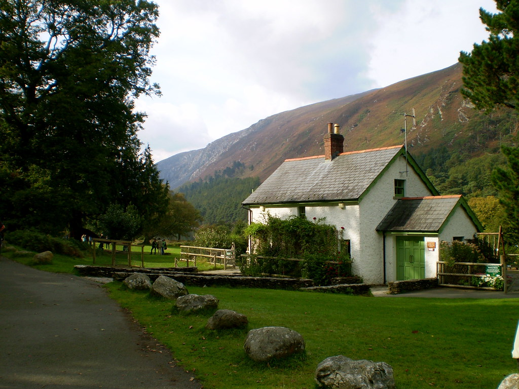 irish cottage glendalough national park ireland this. Black Bedroom Furniture Sets. Home Design Ideas