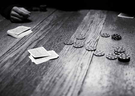 table poker noir et blanc table en bois jeu de poker joue flickr. Black Bedroom Furniture Sets. Home Design Ideas