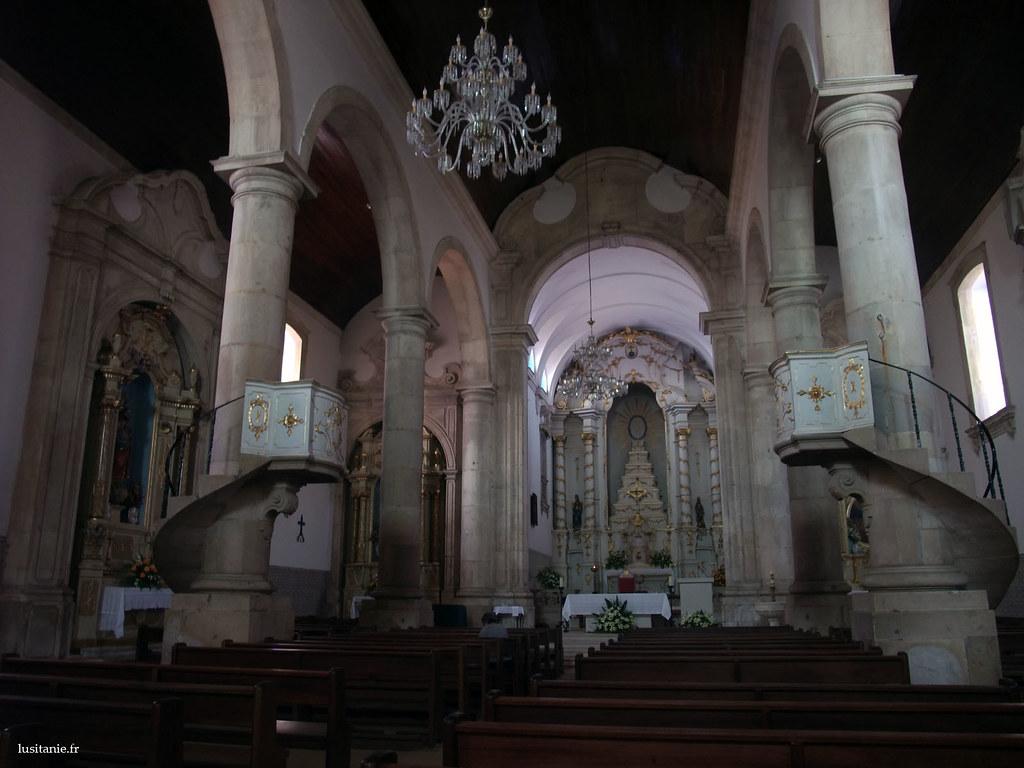 Style baroque, comme il se doit dans une église du 18ème siècle.