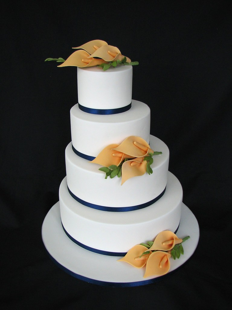 chinese wedding cake traditions lilli wedding cake sugar lillies and leaves on 12674