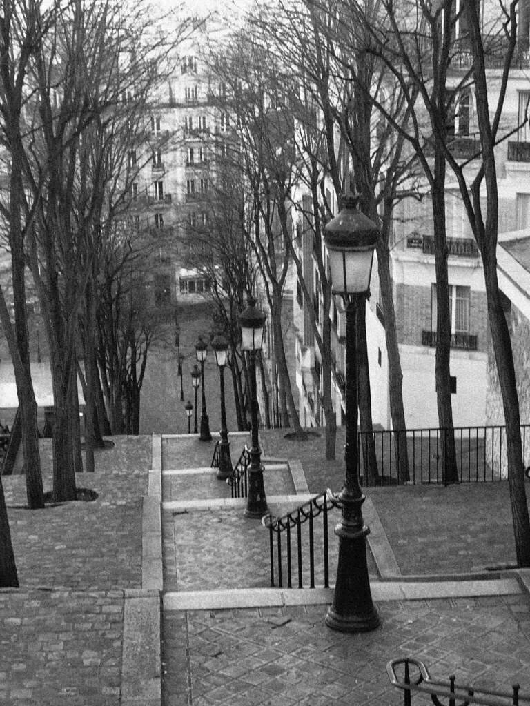 les escaliers de montmartre fa on brassai paris france flickr. Black Bedroom Furniture Sets. Home Design Ideas