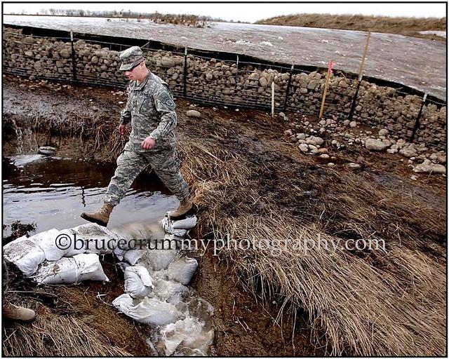 """2009 N.D. SHEYENNE RIVER FLOOD/Absaraka Dam"" | Caption ..."