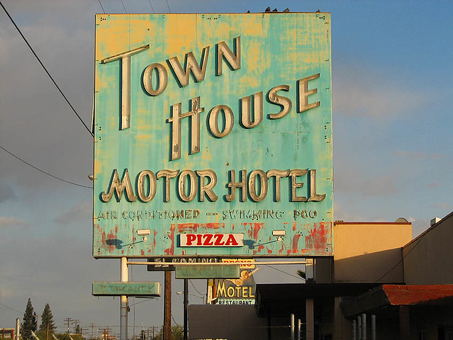Town house motor hotel fresno california one of the for Town house motor inn