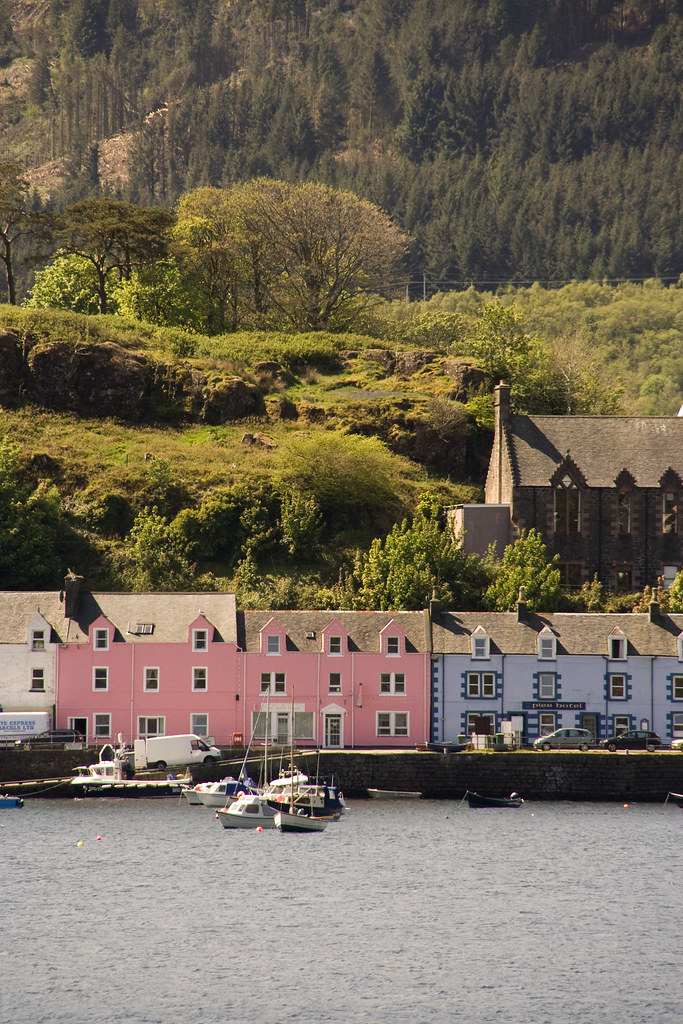 row of houses in portree isle of skye jonathan jones flickr. Black Bedroom Furniture Sets. Home Design Ideas