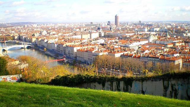 Jardin des curiosit s lyon jardin des curiosit s vue for Jardin couvert lyon