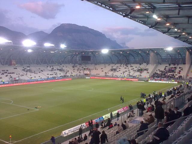 Le stade des Alpes lors de Grenoble 0-0 PSG | Explore ...