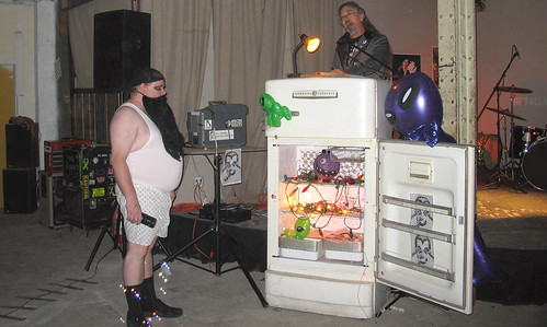 20081115 - SubGenius Baltimore Devival #2 - Stang - preaching, weird guy, bubbles - (by RadioFreeMountairy@Flickr) - 3035653342_f9f304c5de_o | by Rev. Xanatos Satanicos Bombasticos (ClintJCL)